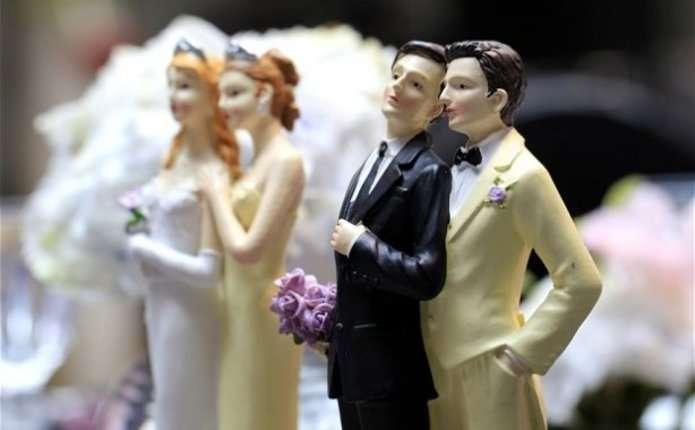 У Фінляндії дозволили одностатеві шлюби