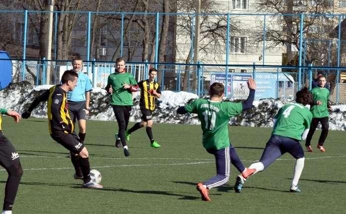 ФК Буковина програла Ниві у контрольному матчі в Чернівцях