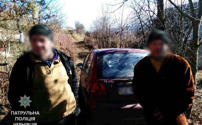 Громадяни у Чернівцях виявили жінку, яка, ймовірно, причетна до крадіжки металу