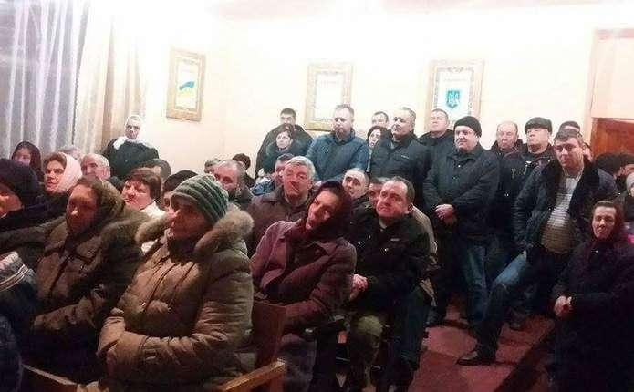 В селі Атаки на Хотинщині обговорили питання добровільного об'єднання громад