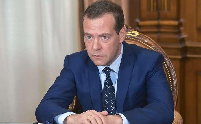 Медведєв зрозумів, що Росії доведеться невизначено довго жити під санкціями