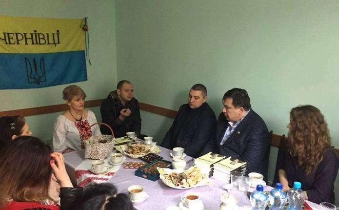 Саакашвілі завітав у гості до Чернівецького товариства інвалідів-спинальників Мрія