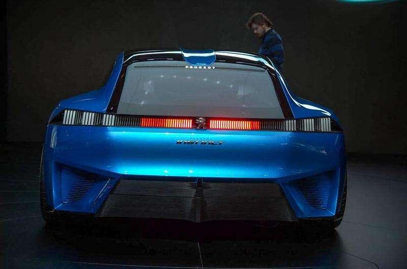 Фантастичне купе Peugeot Instinct показали вживу