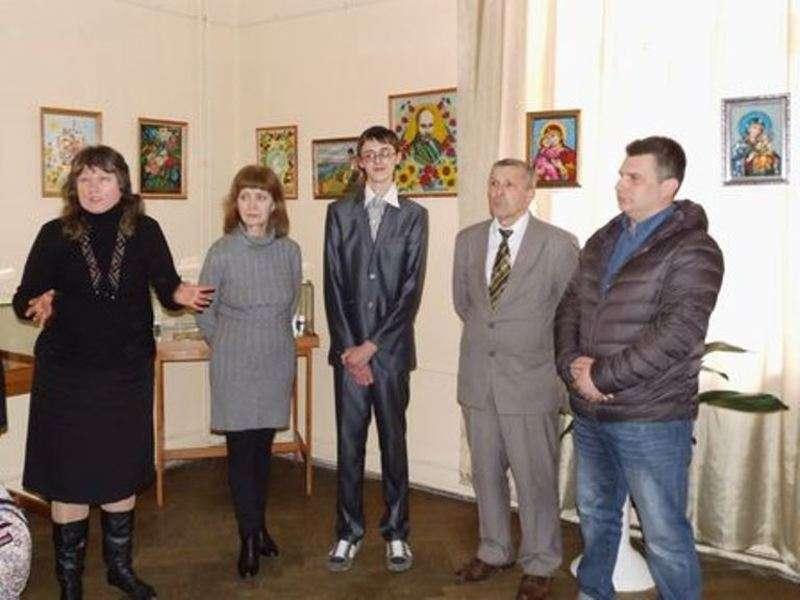 У Чернівцях відбулося відкриття персональної виставки учня художнього училища