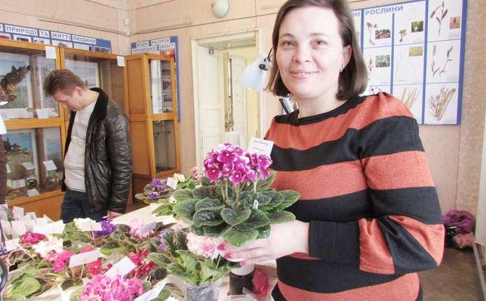 Досвідчені квіткарі поділилися секретом вирощування ідеальних квітучих вазонів