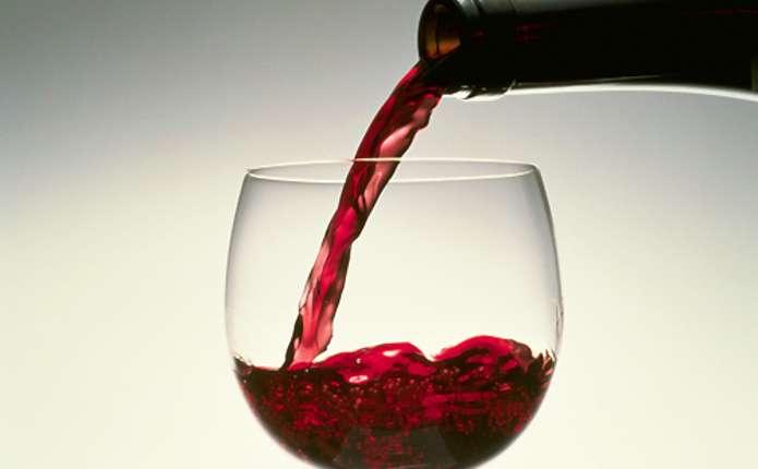 Червоне вино здатне зупинити старіння