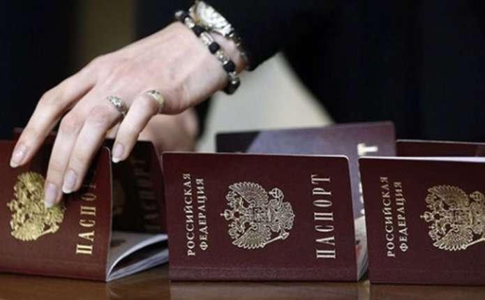 Росія хоче робити своїми громадянами вихідців з СРСР