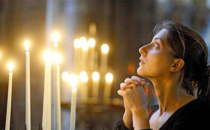 Вчені дослідили, що відбувається з мозком під час молитви