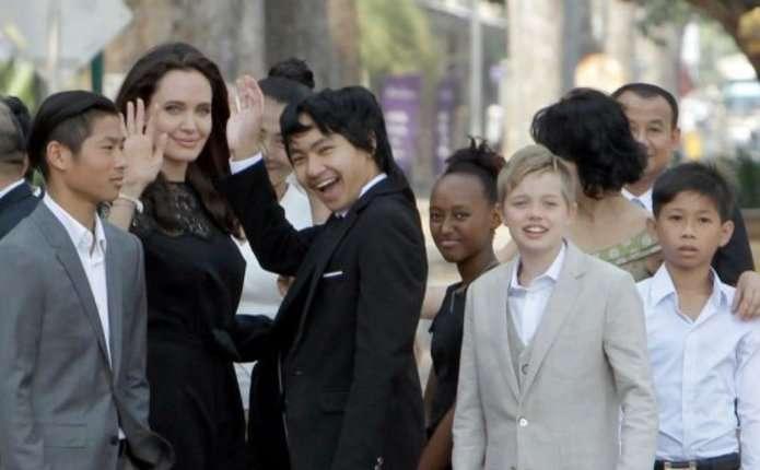 Біологічний батько сина Анджеліни Джолі заявив про свої права на дитину