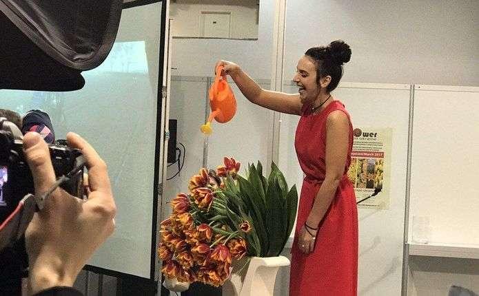 Співачка Джамала побувала на презентації тюльпанів, названих в її честь