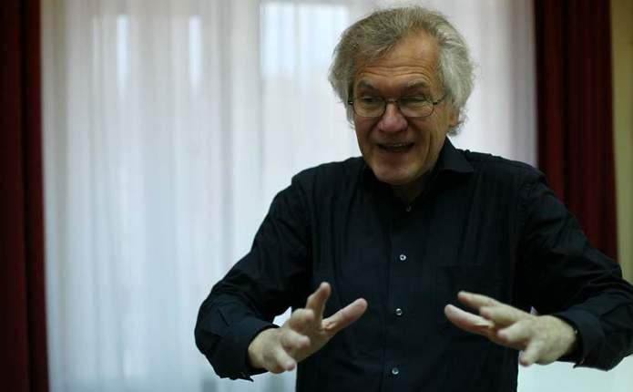 У філармонії Чернівців пройде концерт за участю диригента з Німеччини