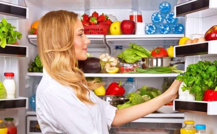 Вчені назвали найбрудніше місце у холодильнику