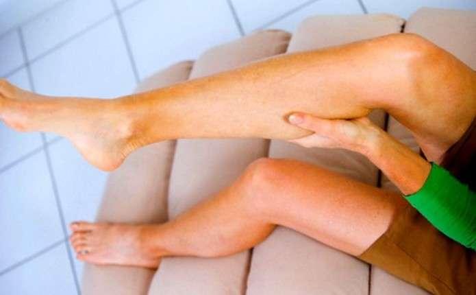 Якщо ногу звело судомою