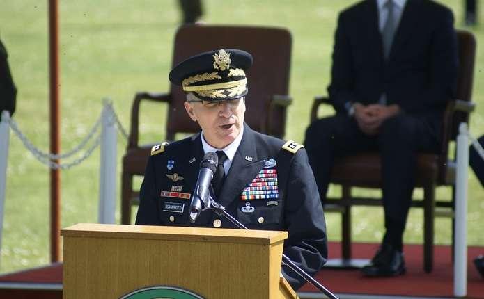 Верховний головнокомандувач НАТО закликав посилити українську армію