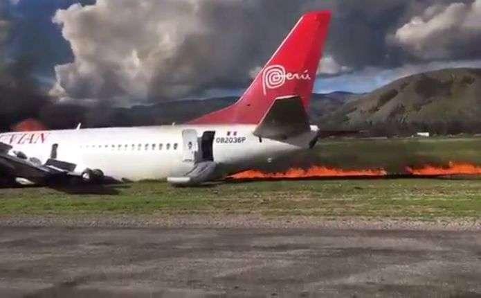 У Перу під час приземлення загорівся пасажирський літак