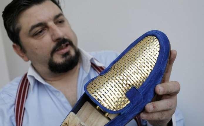 Перші у світі черевики із золота найвищої проби виготовили в Італії