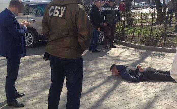 У затриманих в Чернівцях наркоторговців вилучили товару на майже 250 тисяч