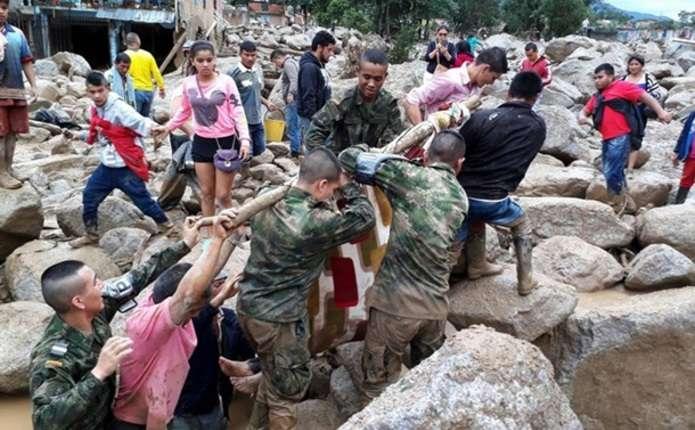 У Колумбії селевий потік накрив місто: понад 100 загиблих