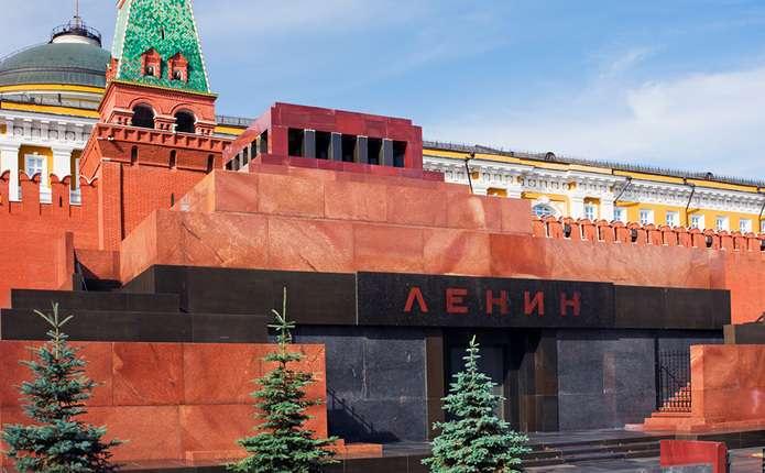 РПЦ хоче поховати тіло Леніна