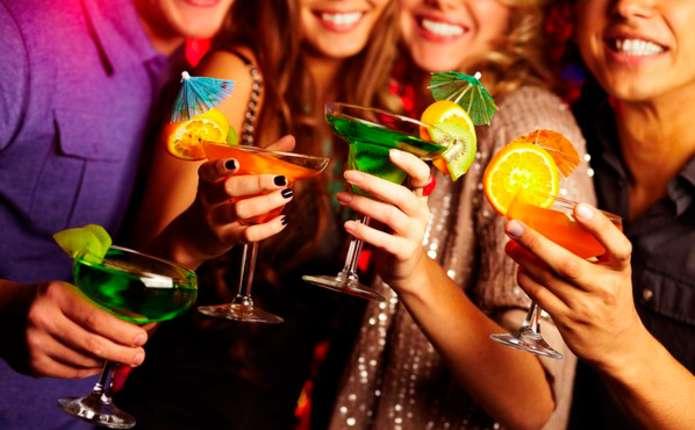 Сьогодні, 3 квітня, відзначають Всесвітній день вечірки