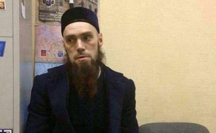 Підозрюваний у вибуху в метро Пітера з'явився в поліцію – ЗМІ