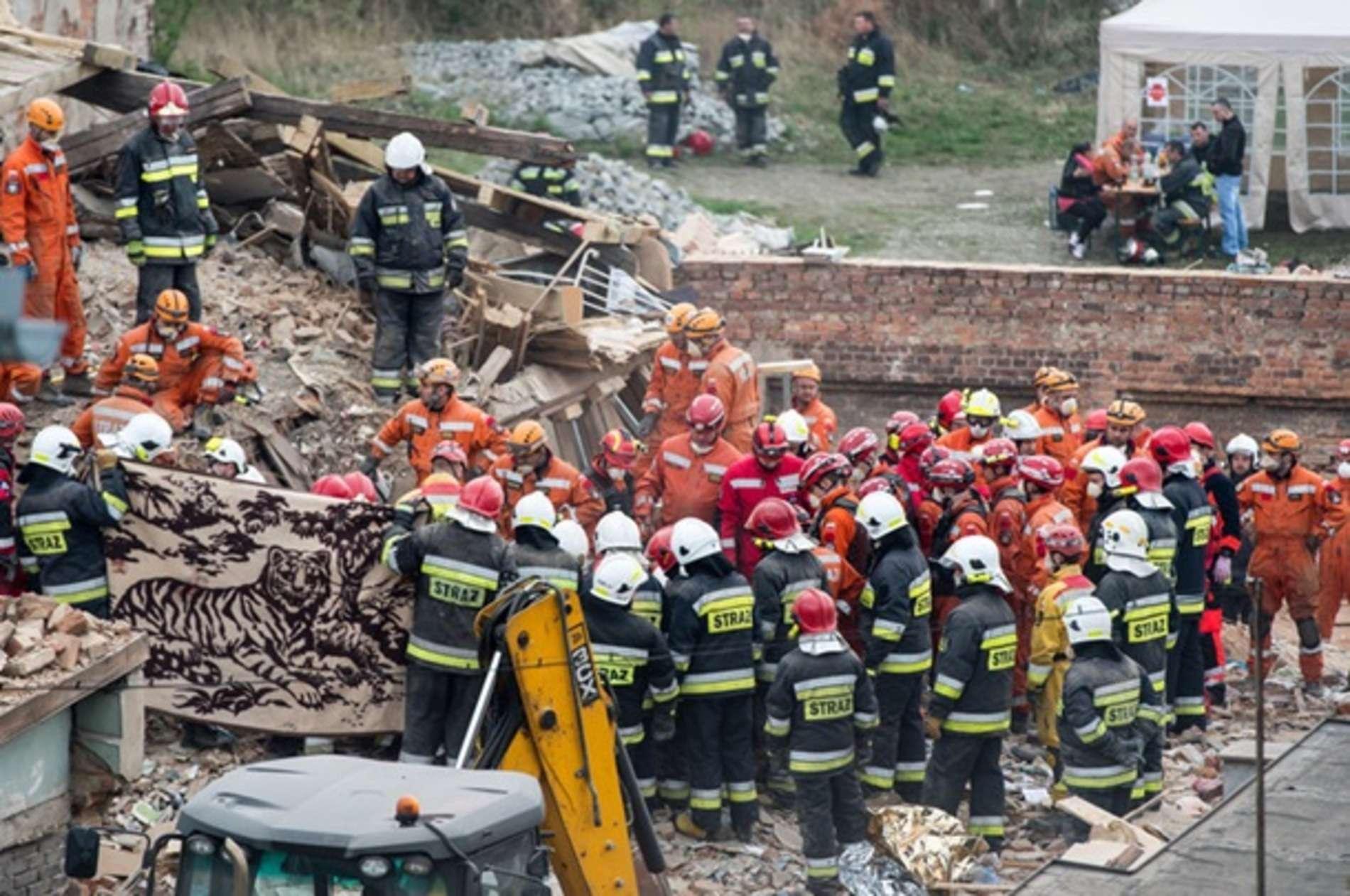 У Польщі обвалився житловий будинок, є жертви