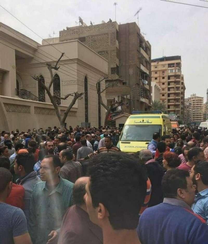 Кривава неділя: у церкві в Єгипті пролунав потужний вибух