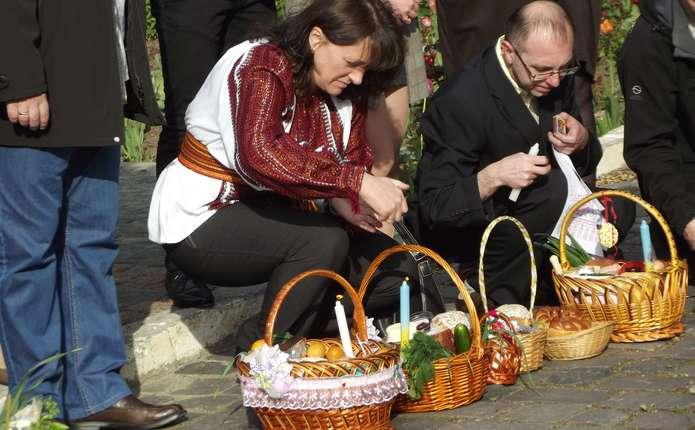 Як буковинці планують святкувати Великодні свята та скільки готові витратити