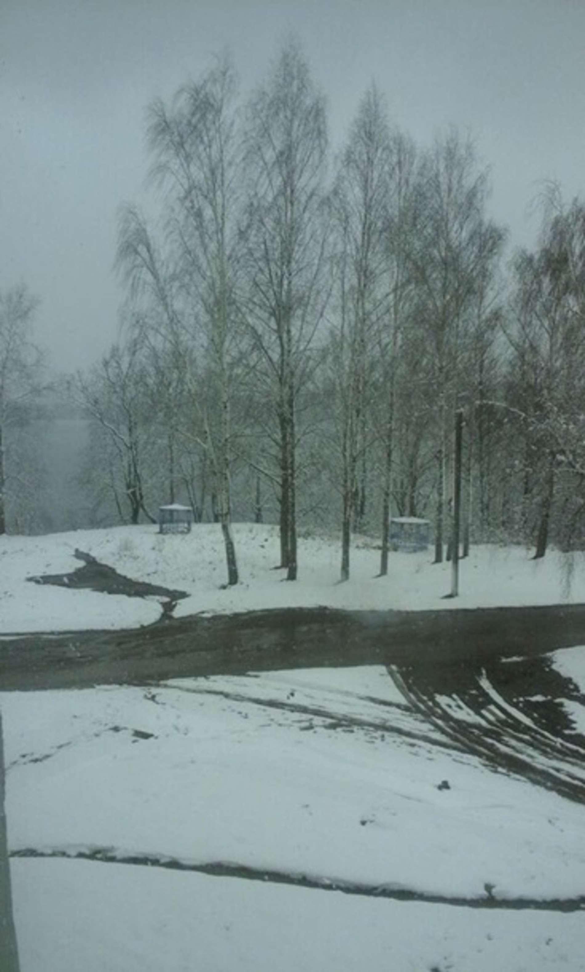 Білорусь на Великдень засипало снігом