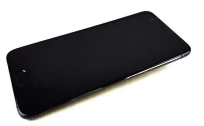 Флагман Xiaomi Mi 6 показали на живих фото
