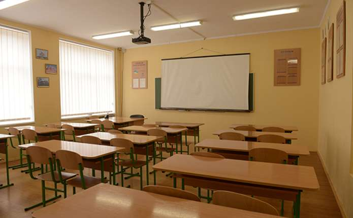 У Чернівцях через похолодання призупиняють навчання у школах