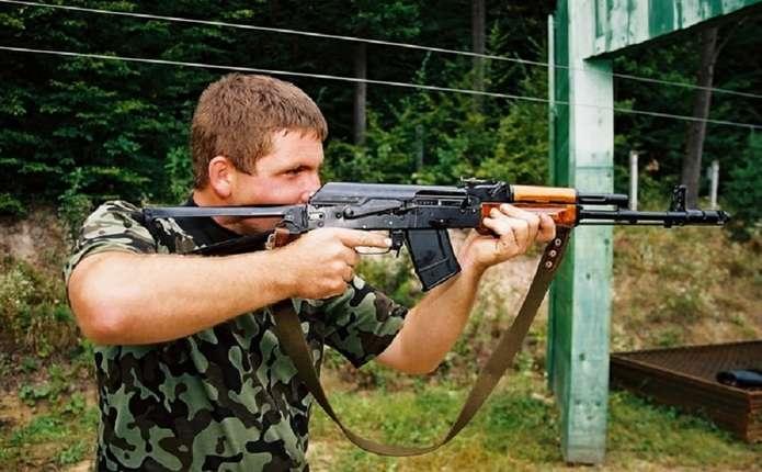 На Сокирянщині учні 11-их класів стрілятимуть із бойової зброї