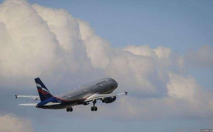 Літак рейсу Москва-Бангкок потрапив у зону сильної турбулентності