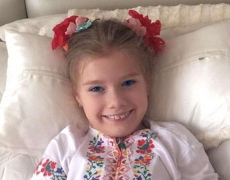 Катерина Бужинська похвалилася двійнятами у вишиванках