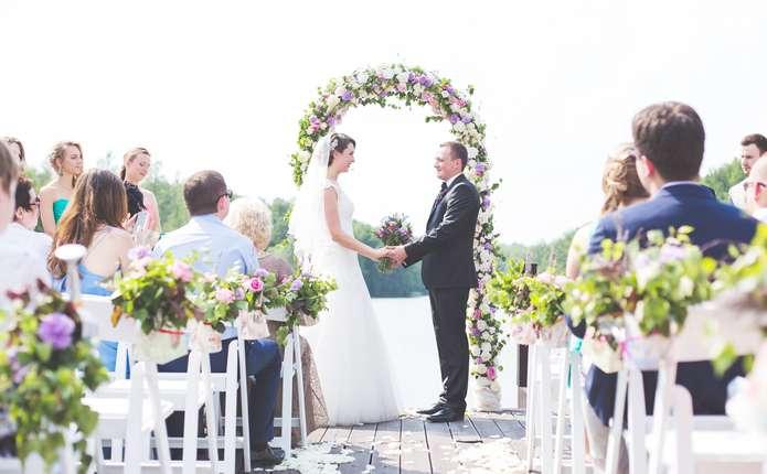 a861a122808376 Буковинські весілля чимраз частіше скидаються на королівські святкування