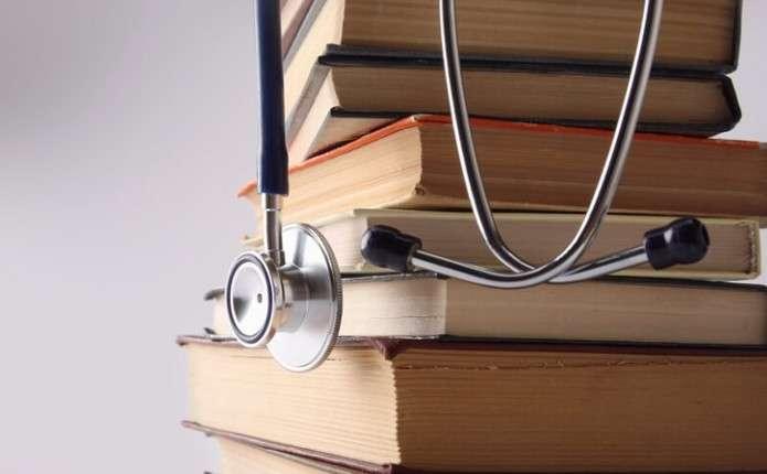 Чотири країни припинили визнавати українські медичні дипломи