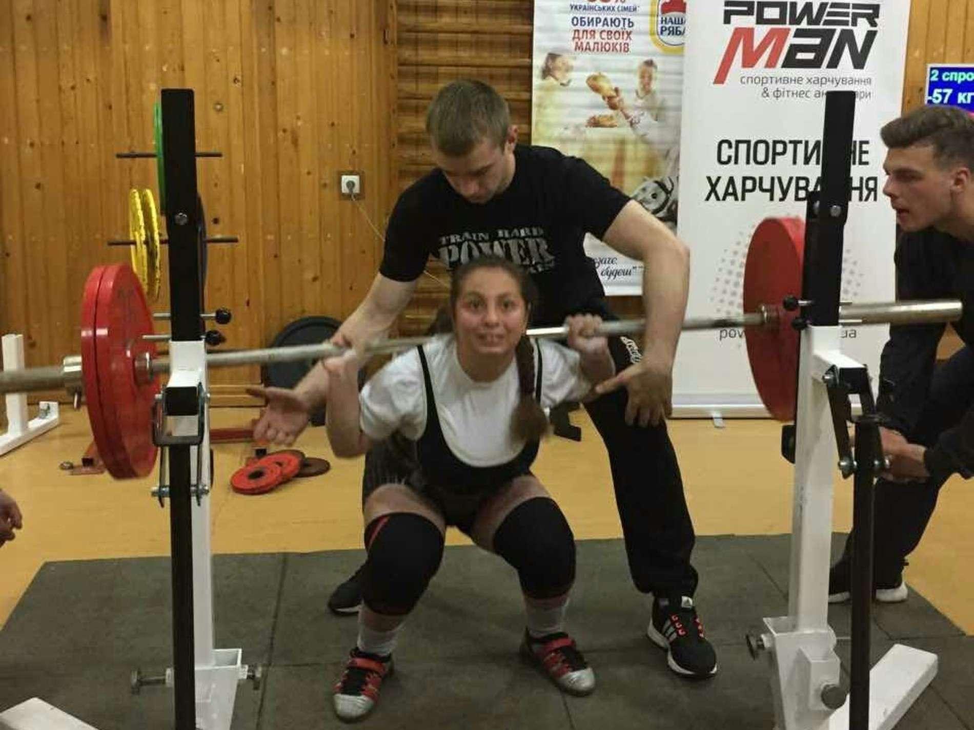 У Чернівцях встановили рекорд світу на чемпіонаті області з пауерліфтингу