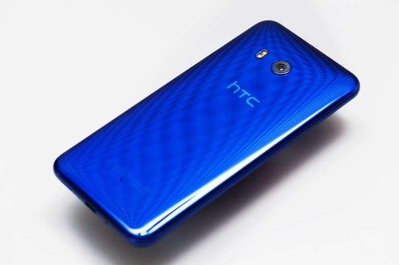 HTC представила флагман U11 із сенсорними рамками