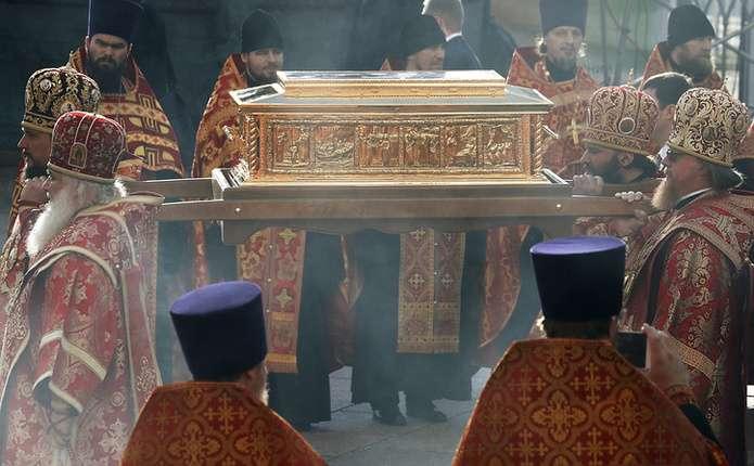 Вперше мощі Миколи Чудотворця привезли з Італії в Росію