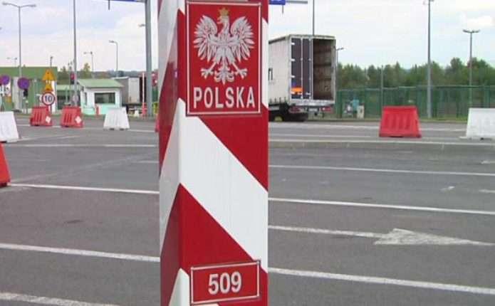 Польща посилює вимоги до проїзду авто з іноземною реєстрацією в Україні
