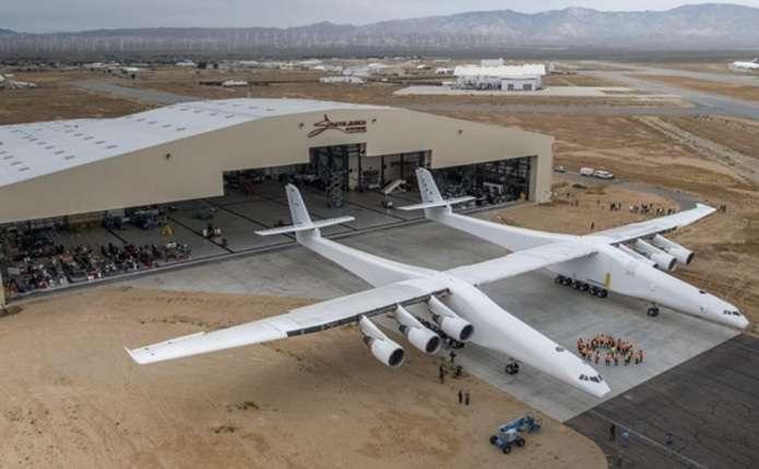 Співзасновник Microsoft створив гігантський літак