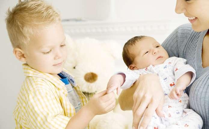 Аби новонароджений братик не став ворогом