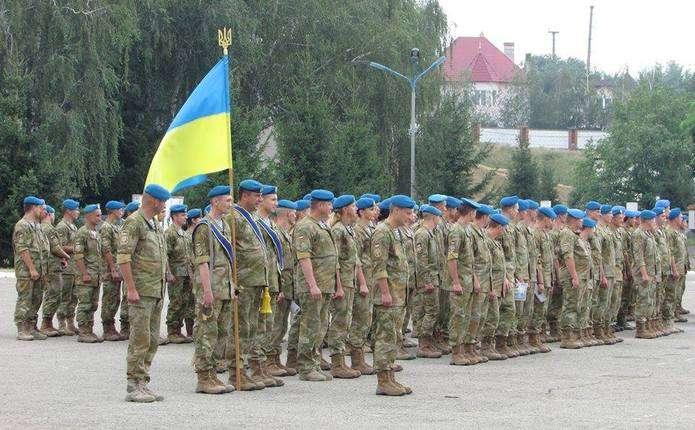 До Чернівців повертаються 500 десантників із зони АТО