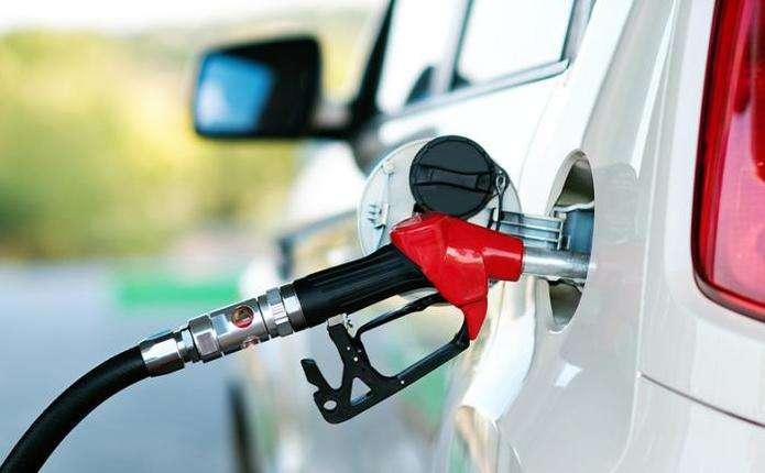 Скільки коштує заправити авто на АЗС 23 червня
