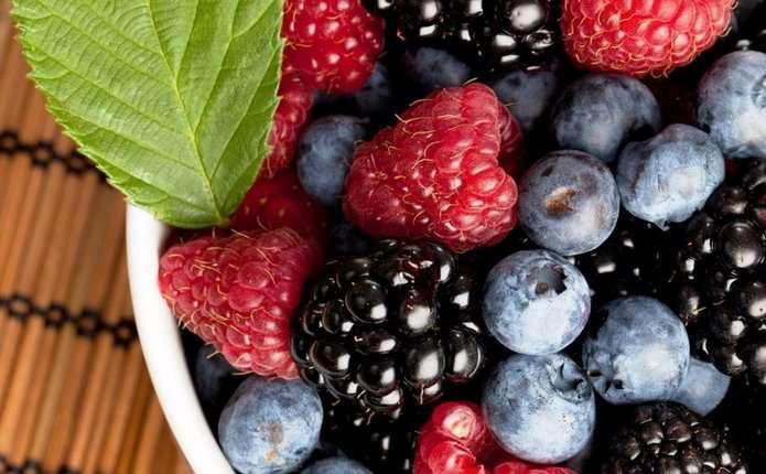 Як харчуватися у спеку: поради лікаря
