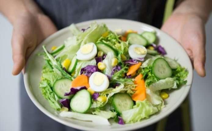7 перевірених способів, як навчитися їсти менше