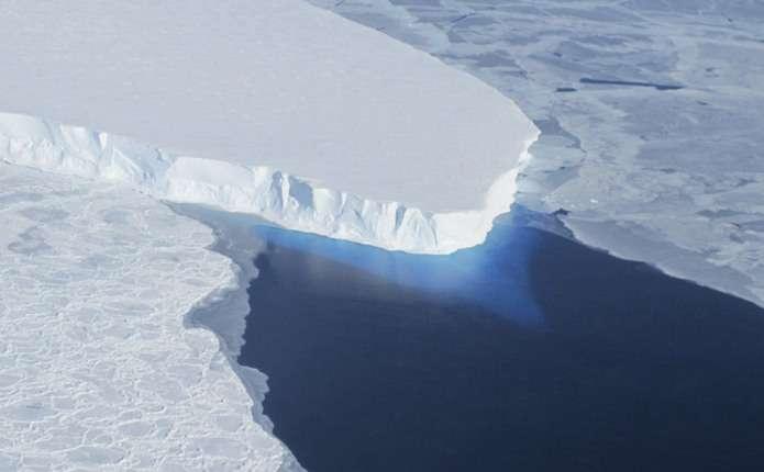 Від Антарктиди відколовся айсберг масою в трильйон тонн