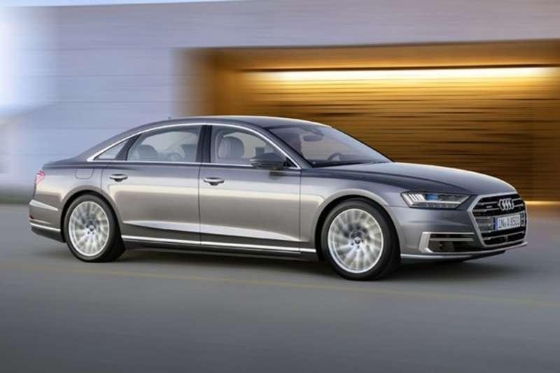 У Барселоні представили нову Audi A8