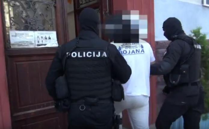 У Сербії під час спецоперації затримали майже 400 осіб