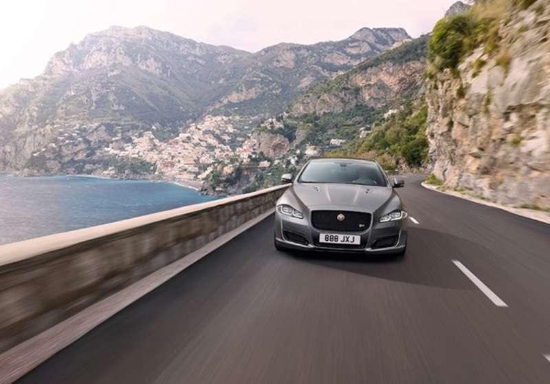 Jaguar представив надпотужний седан XJR575
